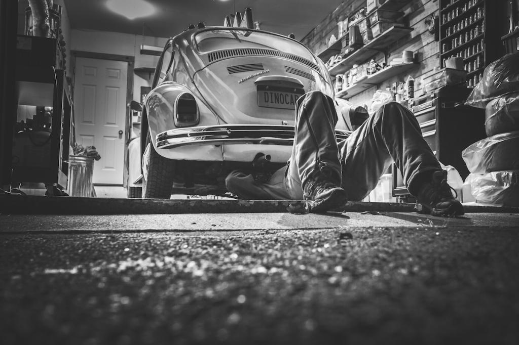 Mending car